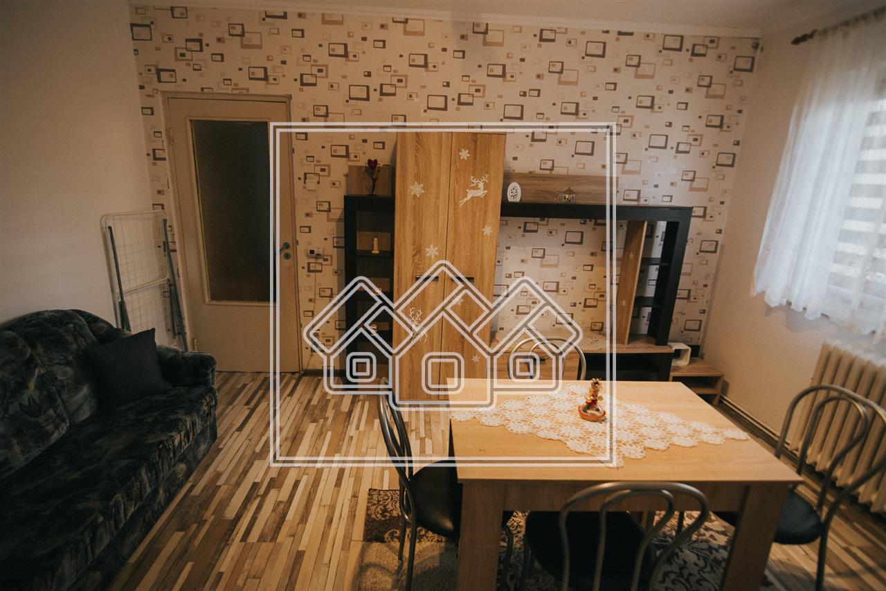 Apartament  de inchiriat in Sibiu - etaj intermediar - zona Cedonia