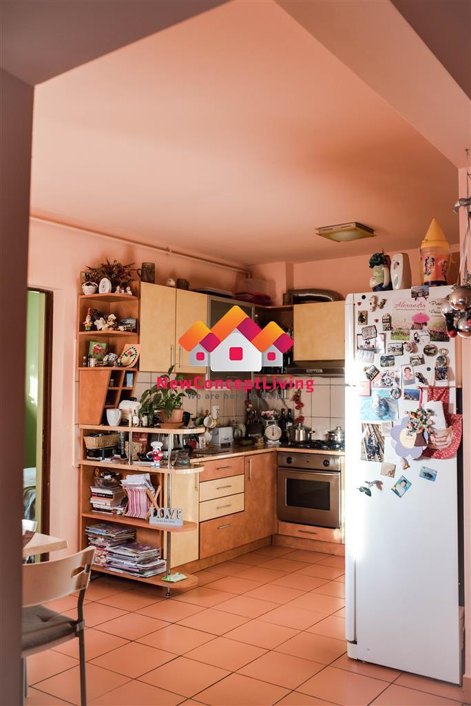 Casa 5 camere, curte individuala, mobilata/utilata modern!