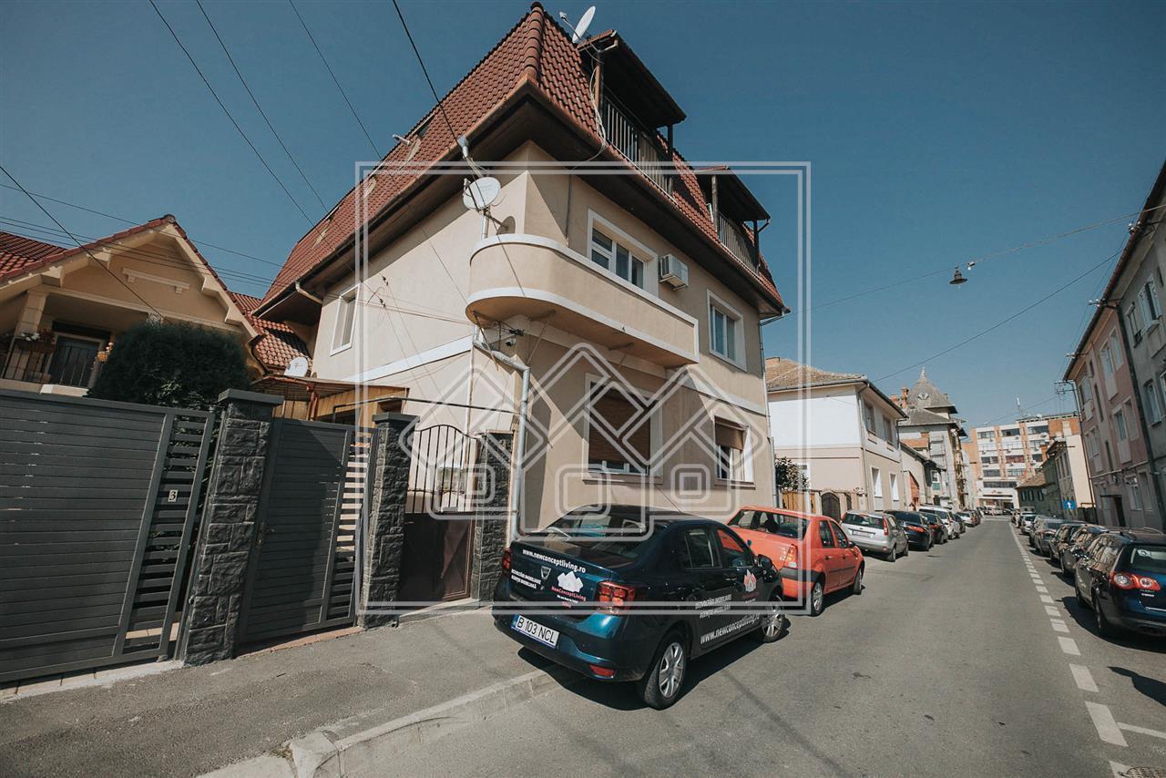 Garsoniera de vanzare in Sibiu - Central - zona Pietei Cibin