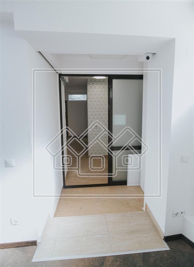 Spatiu comercial/birouri de vanzare in Sibiu, ultramodern