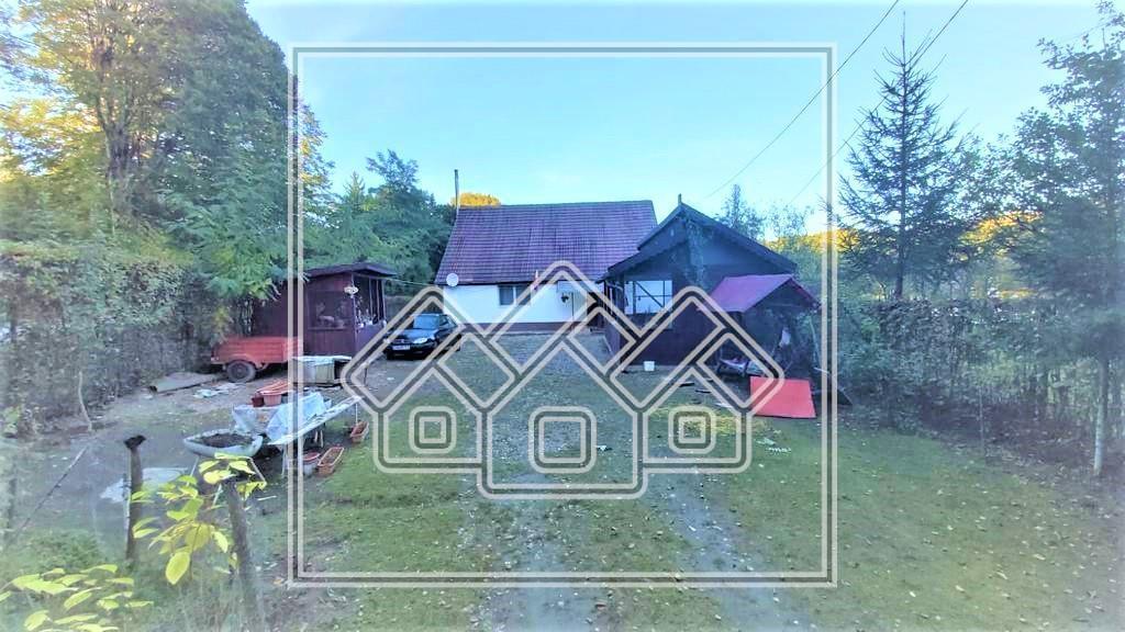 Casa de vacanta de vanzare in Sibiu - Valea Avrigului
