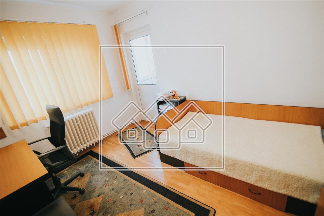 Apartament de vanzare in Sibiu, 4 camere, etaj 1, Strand I