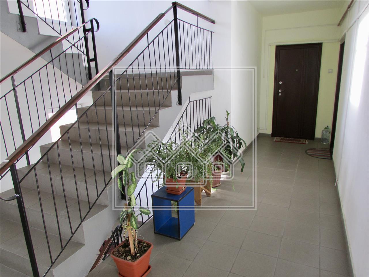Apartament 3 camere de vanzare in Sibiu, etaj intermediar - la cheie