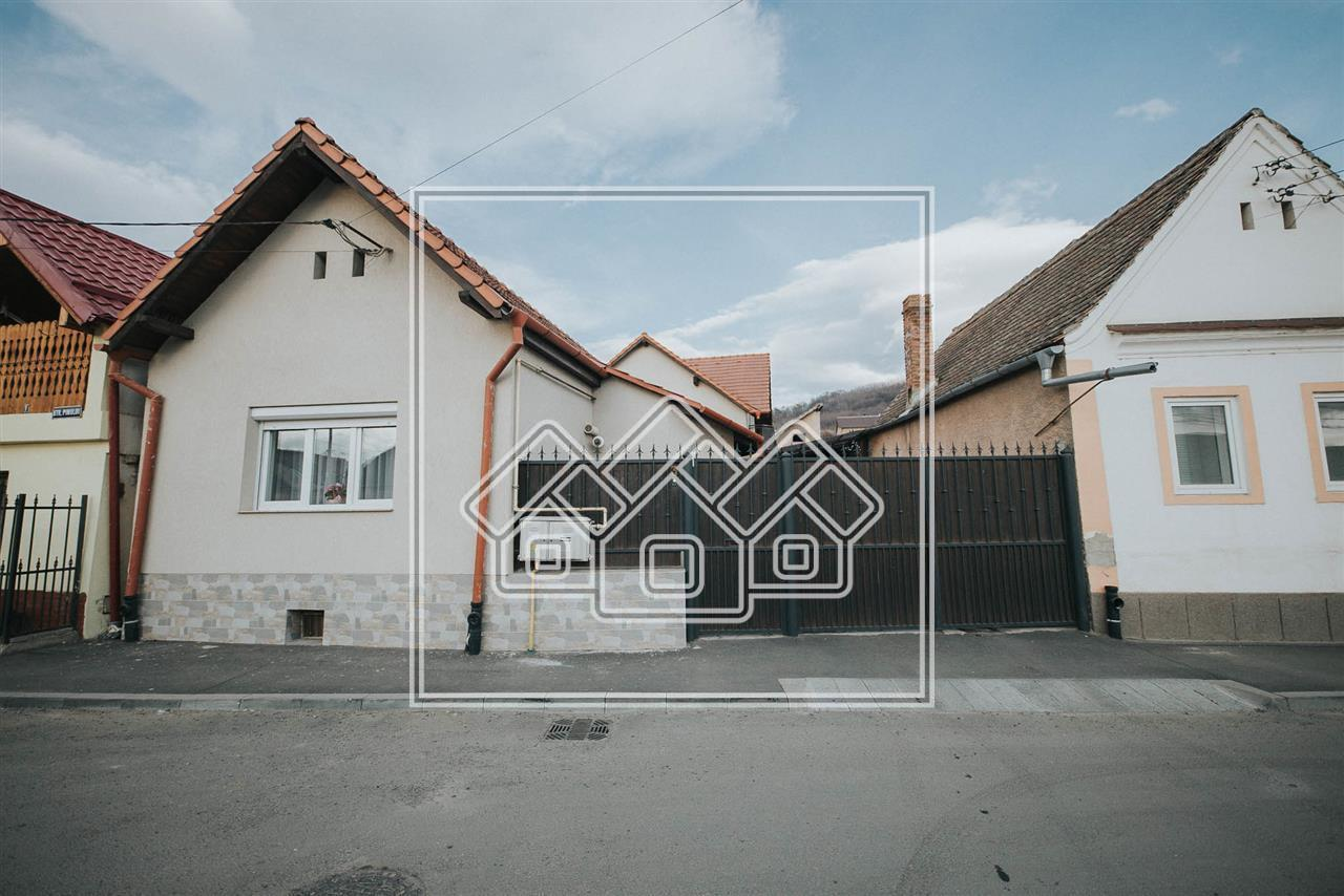 Casa indivduala de vanzare in Sibiu - 6 camere - posibilitate extinder