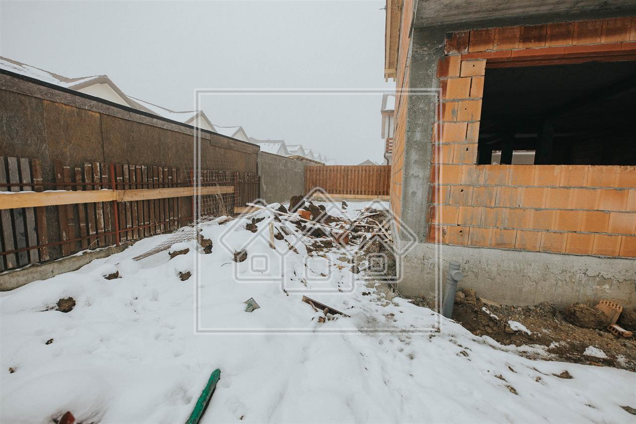 Casa de vanzare in Sibiu - 4 camere - gradina proprie 145mp
