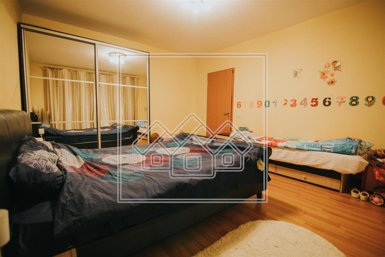 Apartament de vanzare in Sibiu -mobilat si utilat- foarte spatios