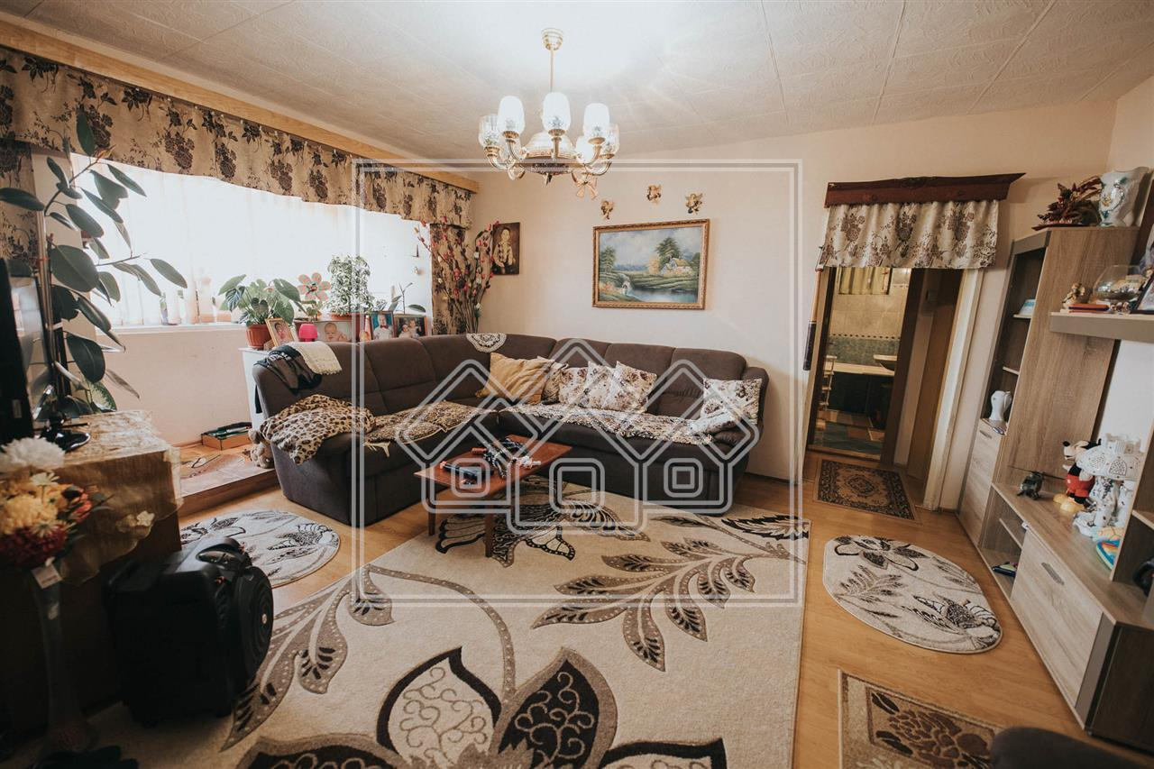 Apartment for sale in Sibiu - 5 rooms - 4 balconies + terrace
