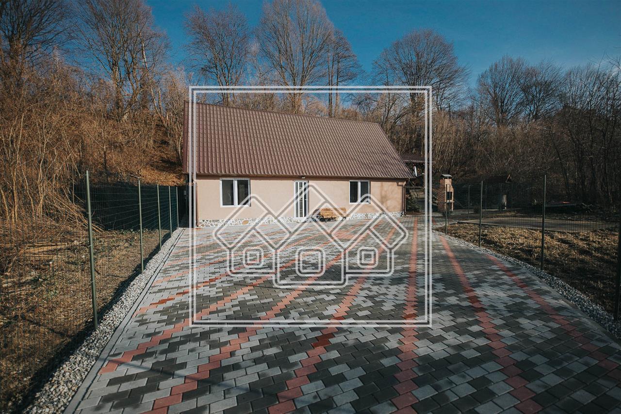 Cabana de vanzare in Sibiu- 6 camere - zona Valea Avrigului