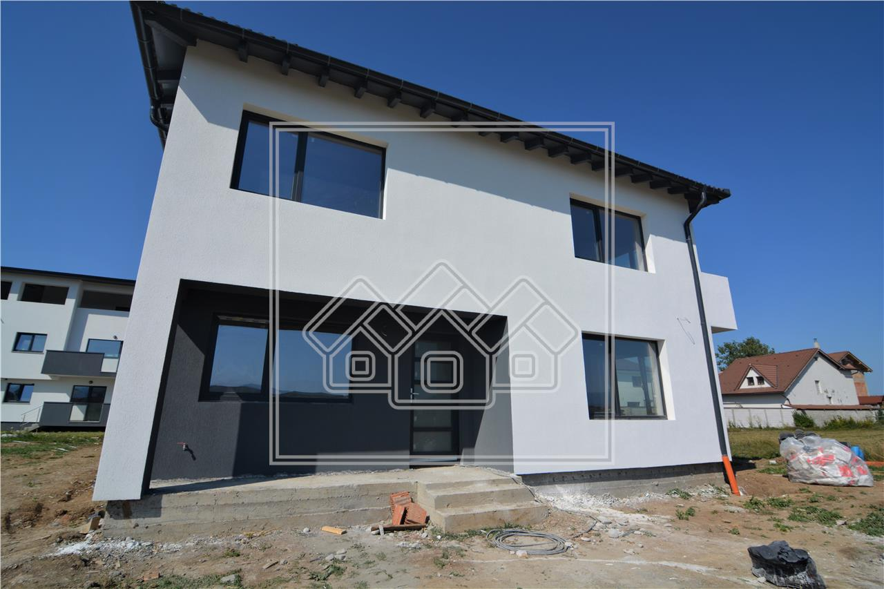 Casa de vanzare in Sibiu - Zona Triajului Selimbar cu curte