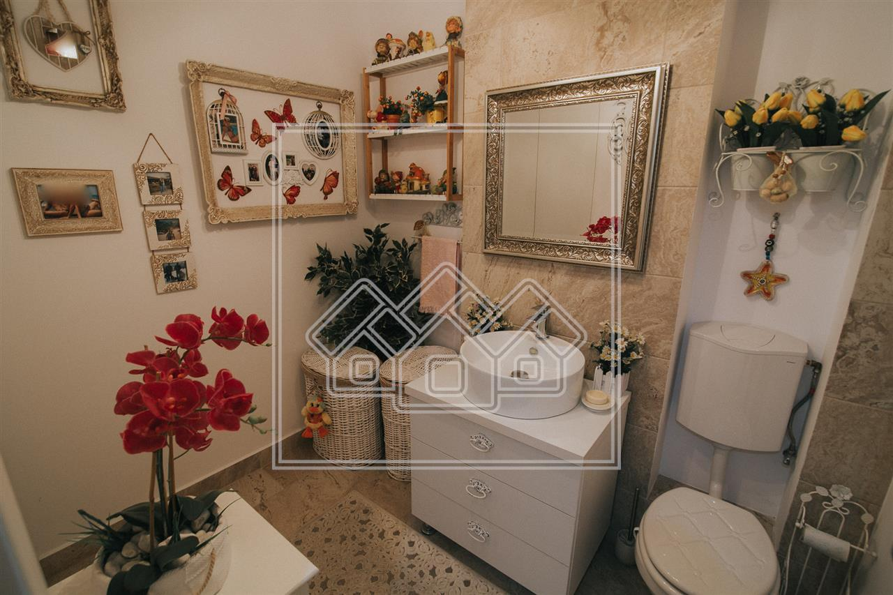 Apartament de vanzare in Sibiu - 3 camere - 2 bai - confort lux
