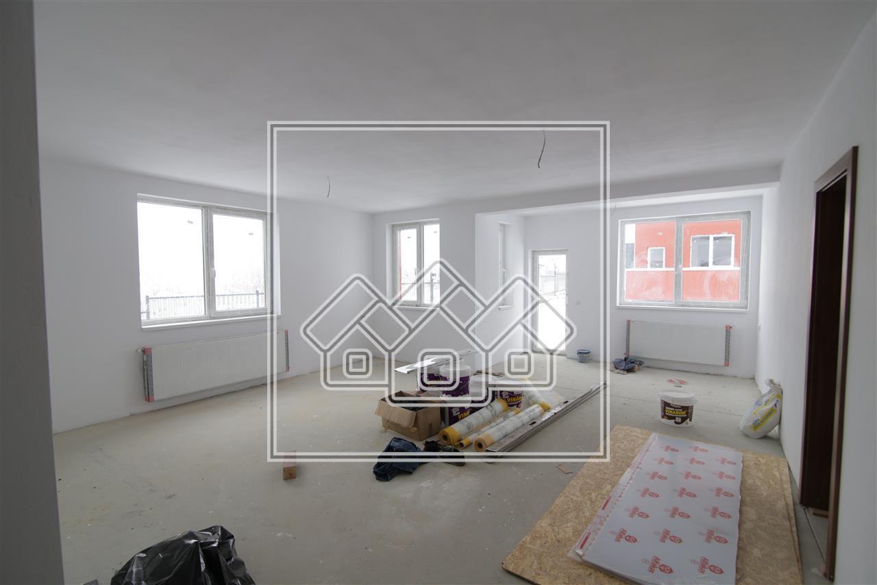 Apartament de vanzare in Sibiu - Cisnadie - 3 camere + balcon