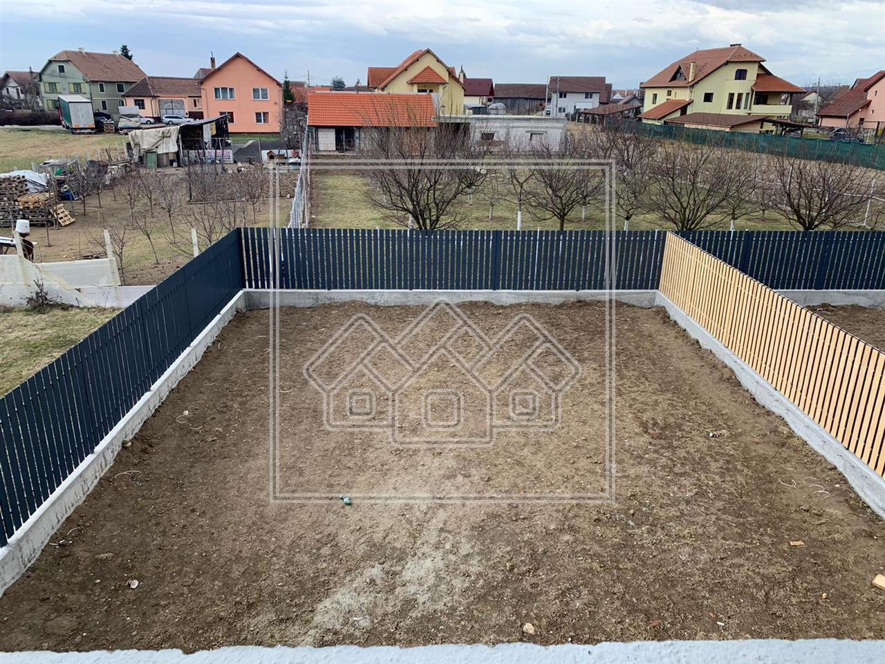 Casa de vanzare in Sibiu - Cristian -  Cu Teren Liber de 280 mp