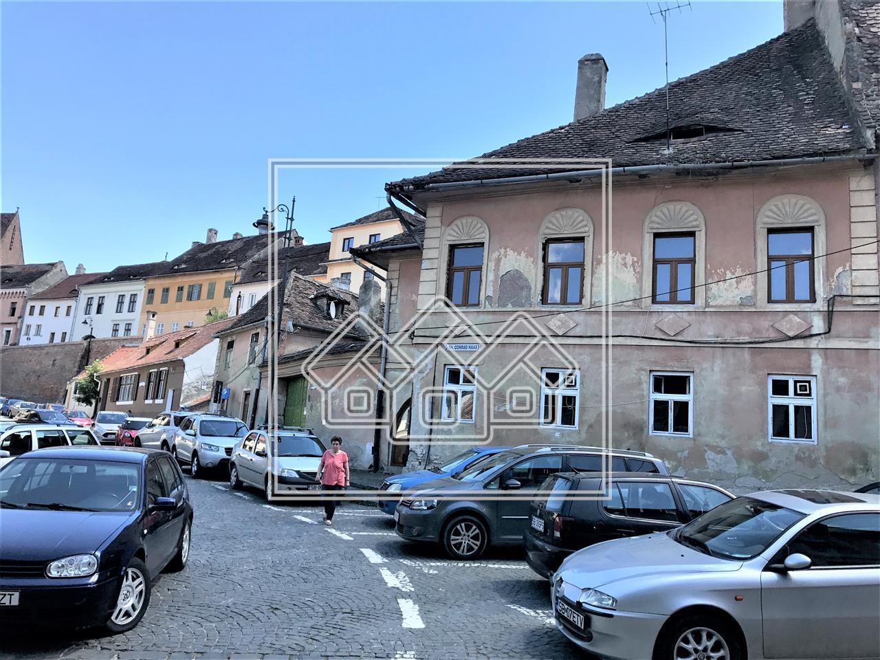 Casa de vanzare in Sibiu - zona ULTRACENTRALA - reper Teatrul Gong