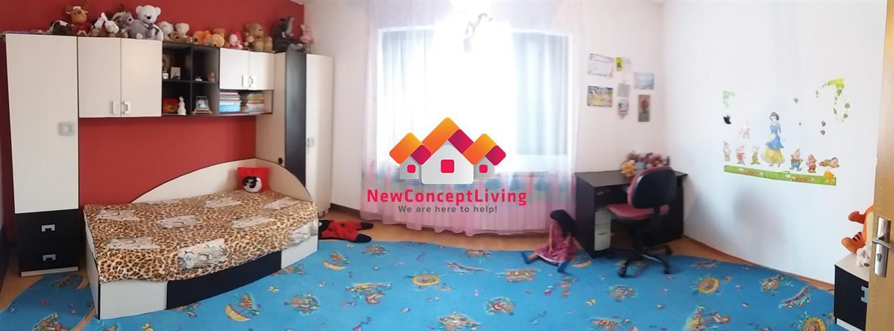 Apartament de vanzare in Sibiu 4 camere, curte, garaj Mare - Pta Cluj