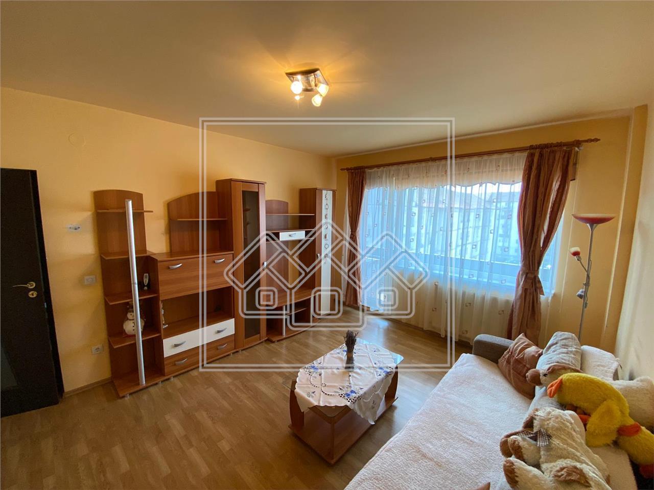Apartament de vanzare in Sibiu, 2 camere decomandat, etaj intermediar