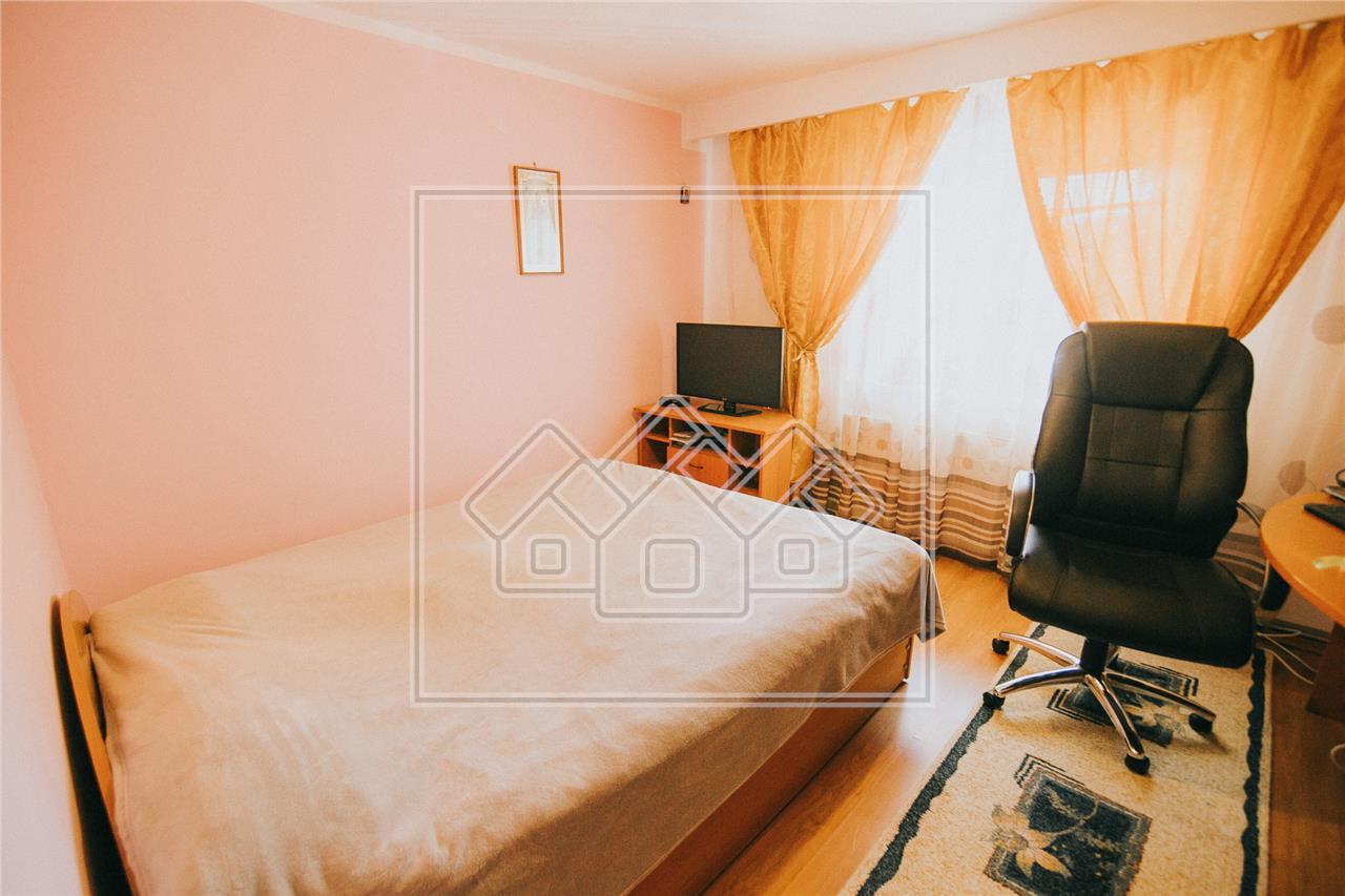 Apartament de inchiriat in Sibiu Turnisor -3 camere-bucatarie separata