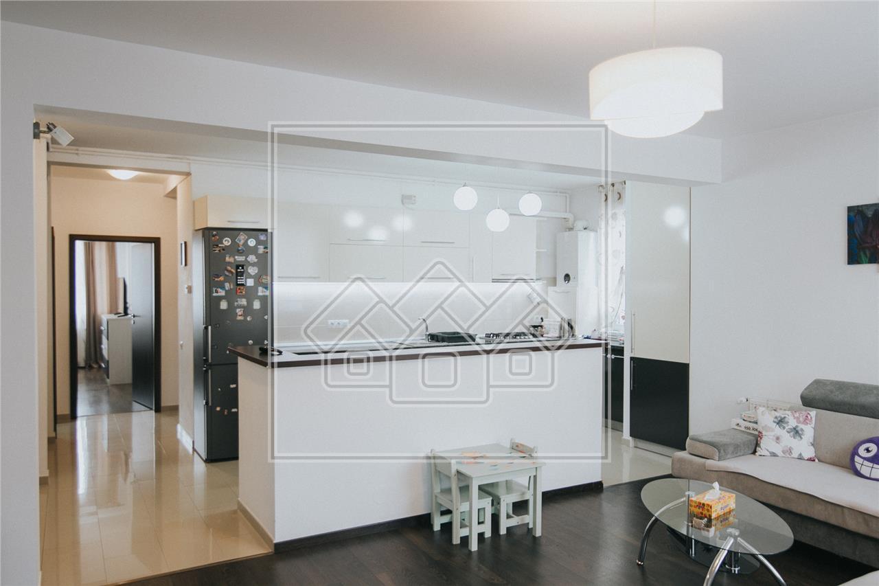 Apartament de vanzare in Sibiu -3 camere si 2 bai- etaj intermediar