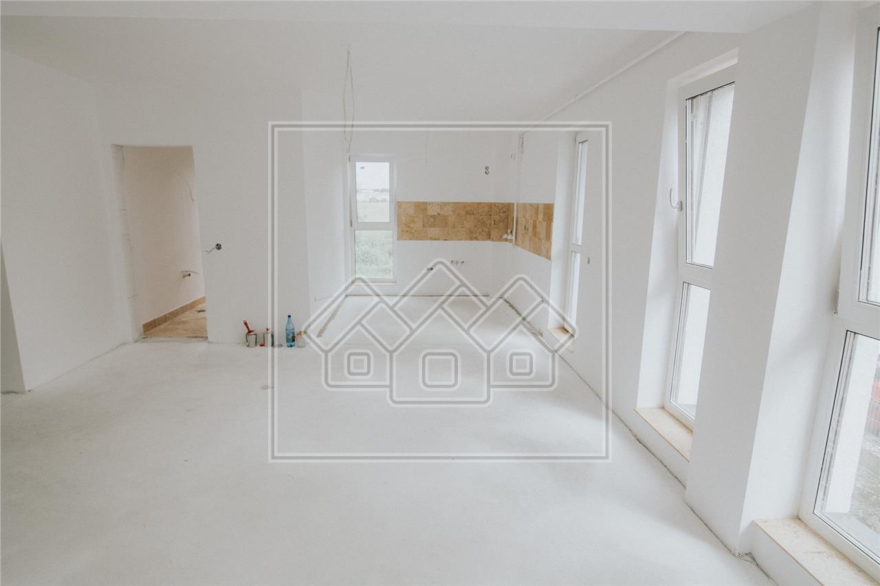 Apartament de vanzare in Sibiu -4 camere si 2 balcoane- Zona Turnisor