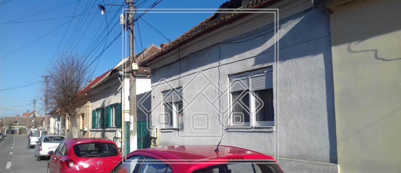 Casa de vanzare in Sibiu - 3 camere + Gradina - Piata Cluj