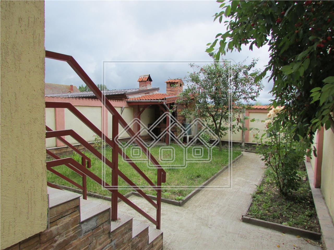 Casa de inchiriat in Sibiu -pretabil birouri-gradinita-afterschool.