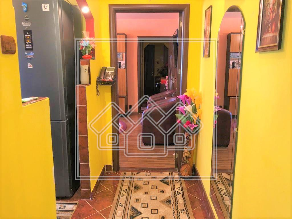 Apartament de vanzare in Sibiu - 3 camere - etaj 1 - Miraslau
