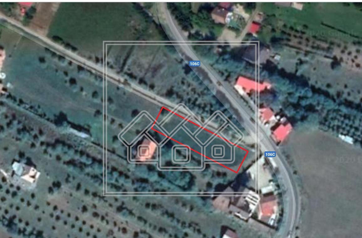 Teren intravilan in zona Tocile - 1400 mp-acces din strada principala