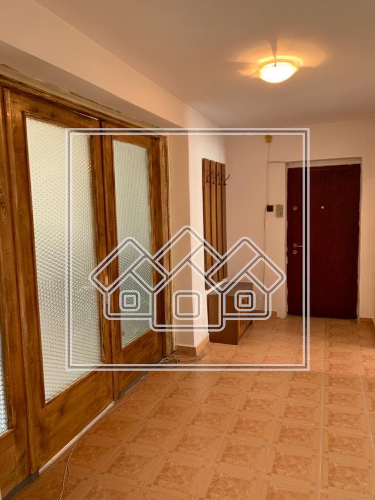 Apartament 2 camere de inchiriat in Sibiu - decomandat - zona Turnisor