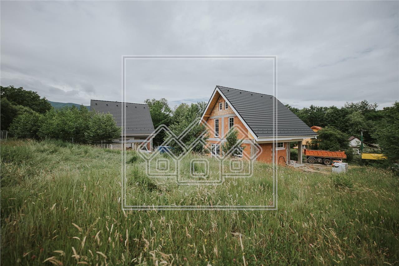 Casa individuala de vanzare in Sibiu - Cisnadie - design frumos