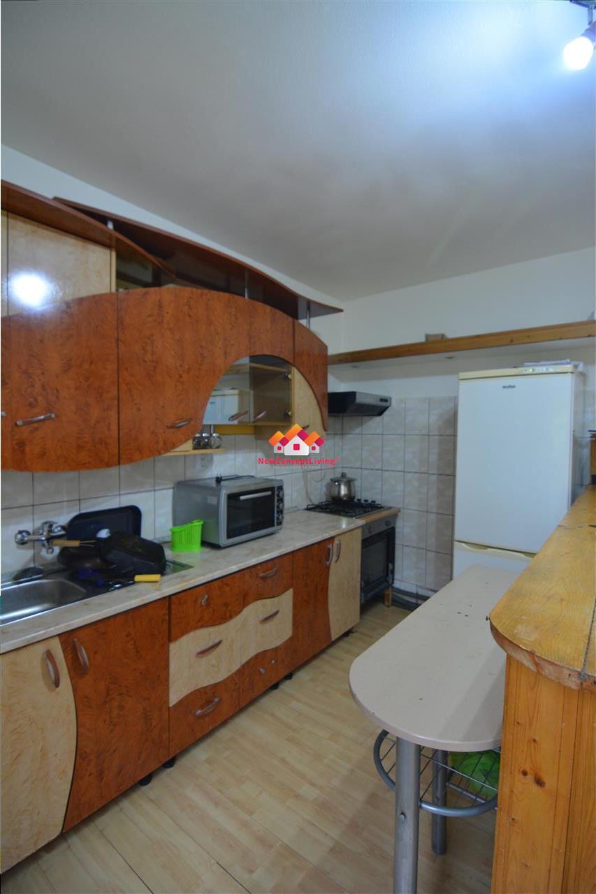 Casa de vanzare in Sibiu - zona centrala, reper str.Dealului -6 camere