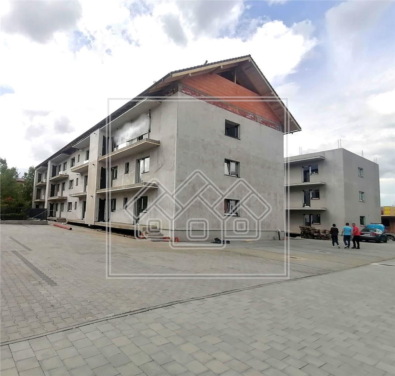 Apartament de vanzare in Sibiu - total decomandat - balcon si magazie