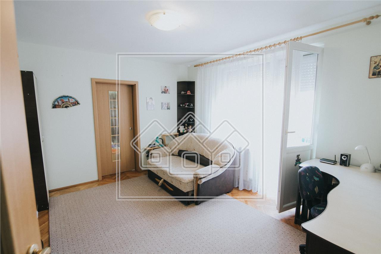 Apartament de vanzare in Sibiu-3 camere cu balcon-Zona Hipodrom