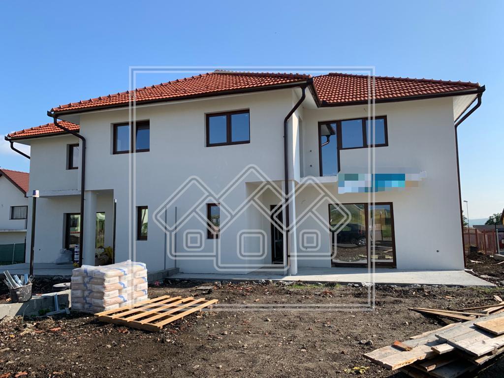Casa de vanzare in Sibiu - Sura Mica - Cu Terasa si Gradina