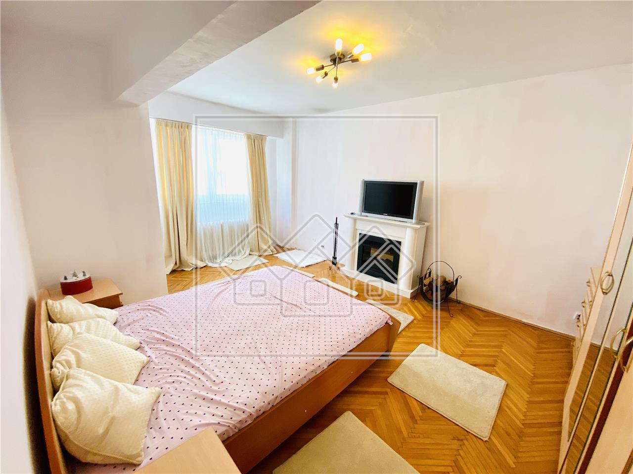 Apartament de vanzare in Sibiu-2 camere cu balcon si pivnita-V. Aurie