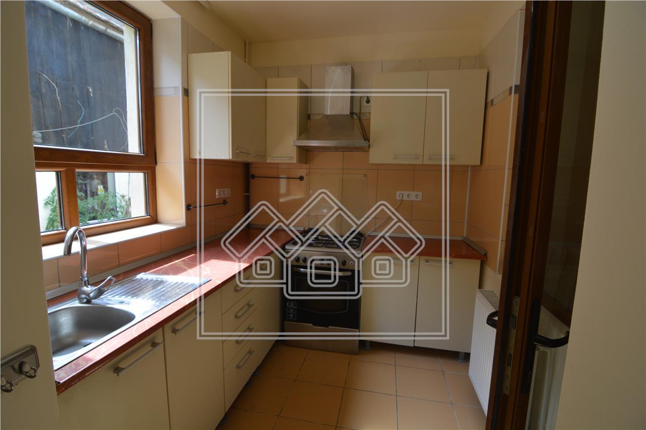 Casa de inchiriat in Sibiu - 4 camere Zona Ultracentrala Tg Vinului