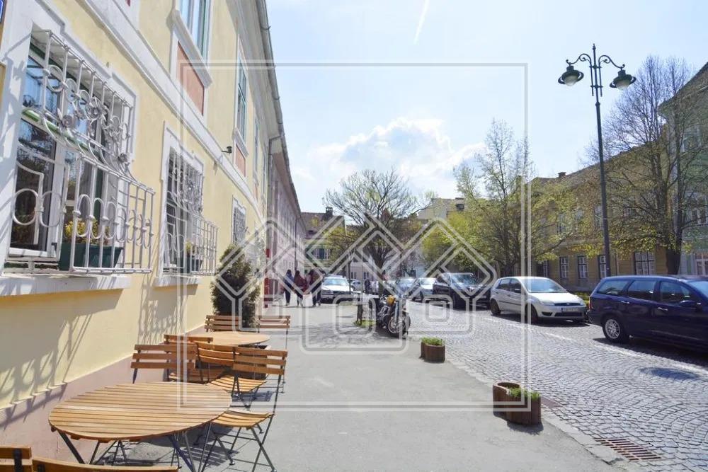 Apartament de inchiriat in Sibiu-2 camere-mobilat si utilat-Z.Centrala