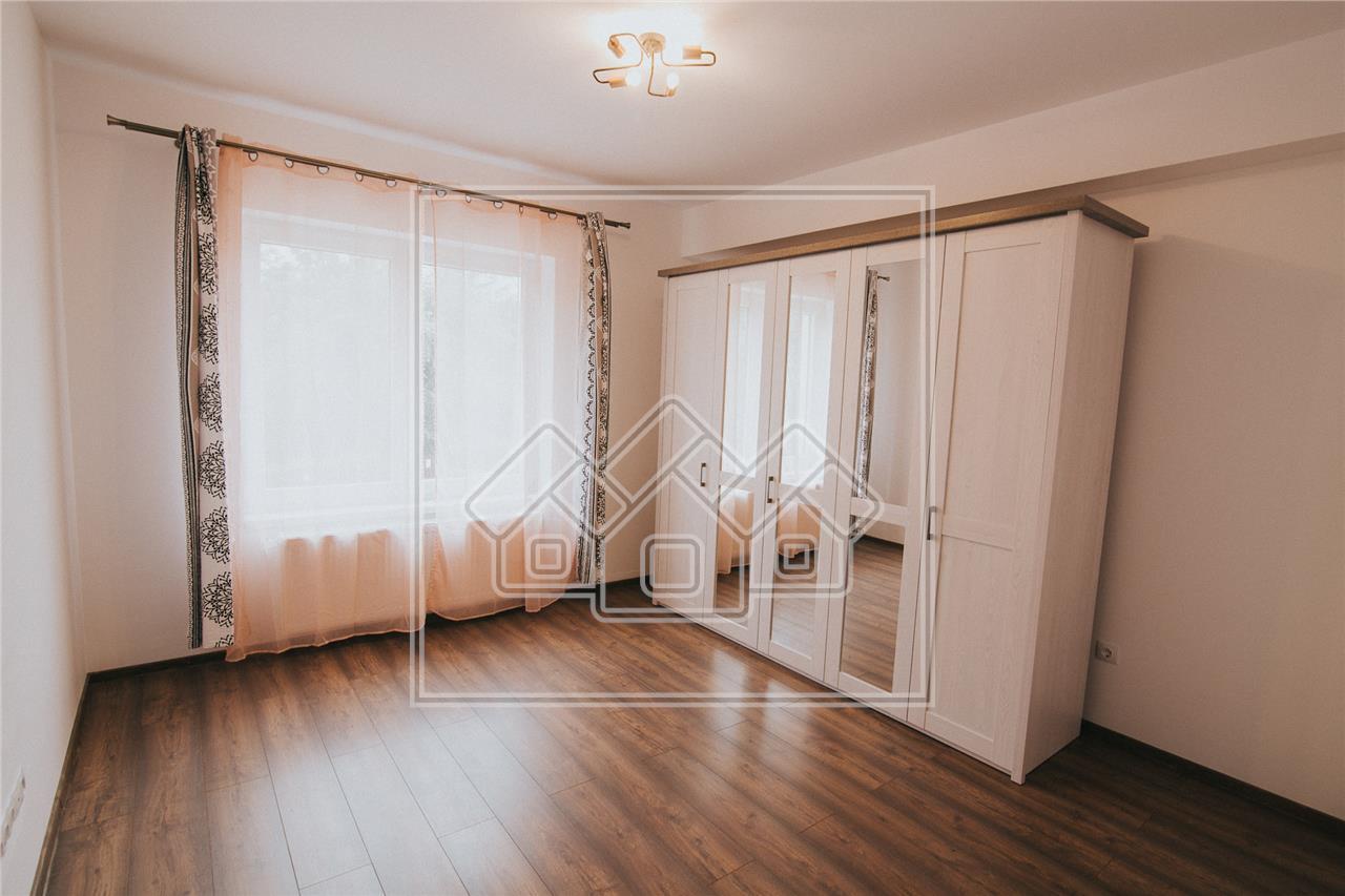 Apartament de inchiriat in Sibiu-3 camere cu balcon si garaj-Turnisor