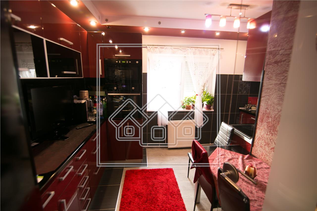 Apartament de vanzare in Sibiu - 3 camere - 3 balcoane- Terezian