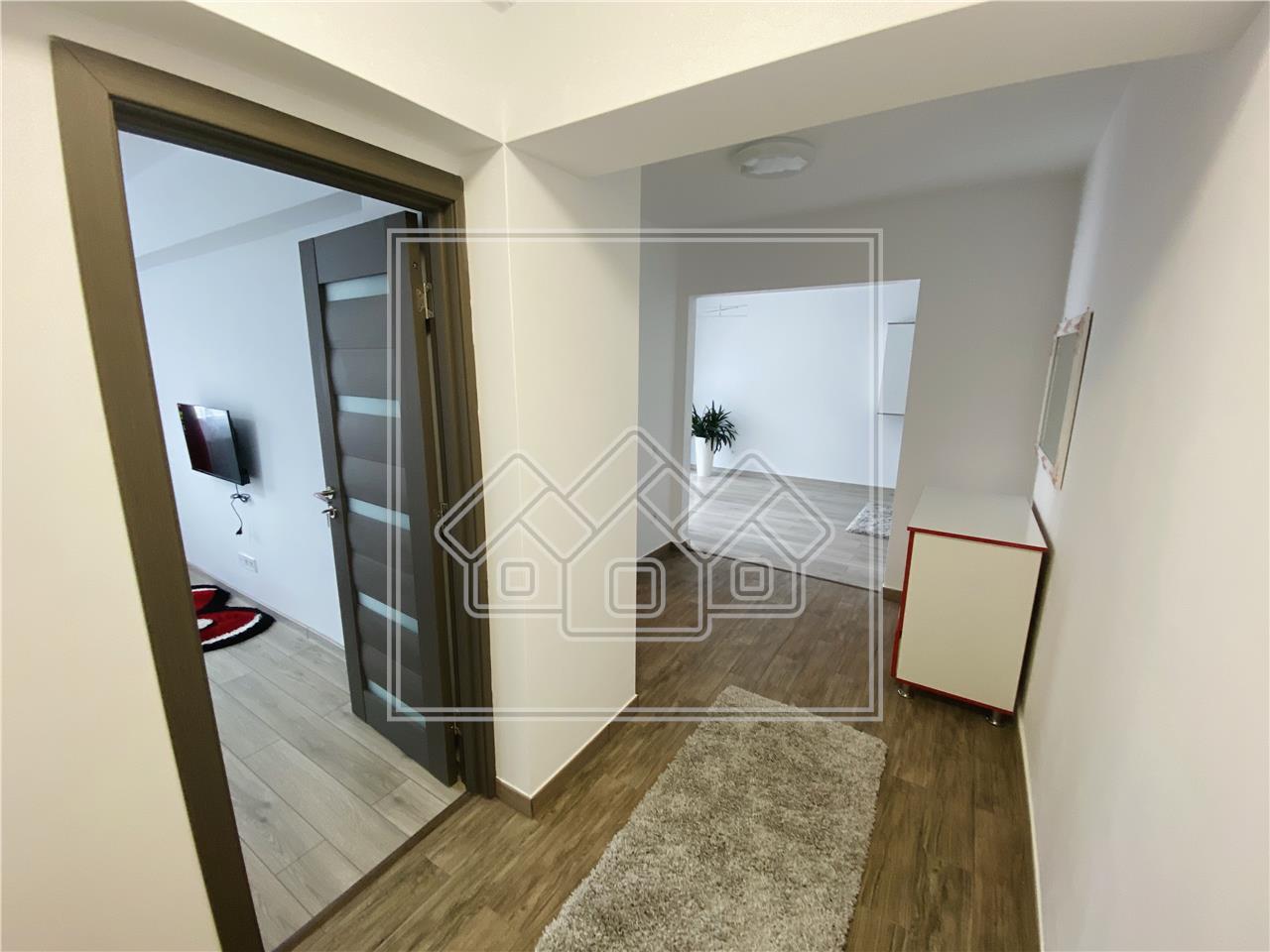 Apartament de inchiriat la Sibiu - 2 camere decomandate - terasa mare