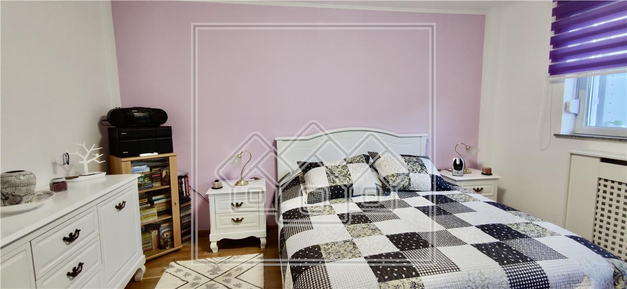 Apartament 3 camere de vanzare in Sibiu, mobilat de lux, cu gradina