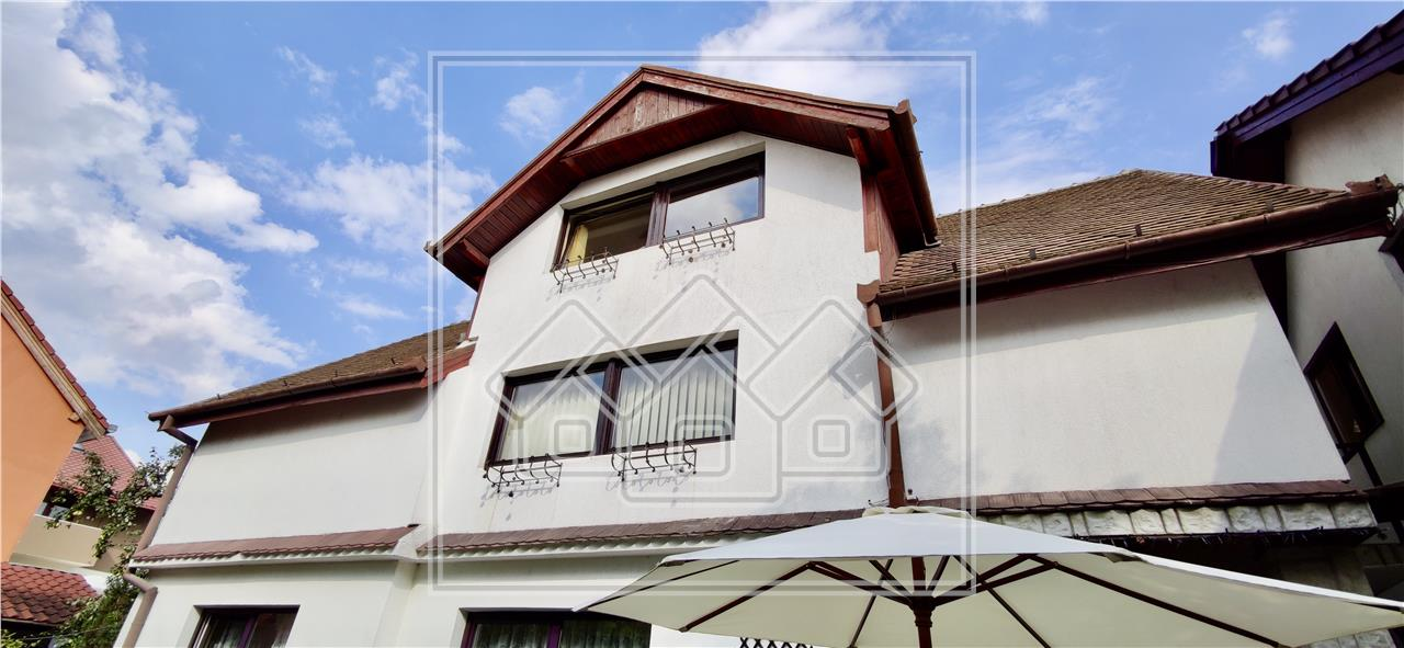 Apartament de inchiriat in Sibiu, la casa, zona Stefan cel Mare,etaj 1