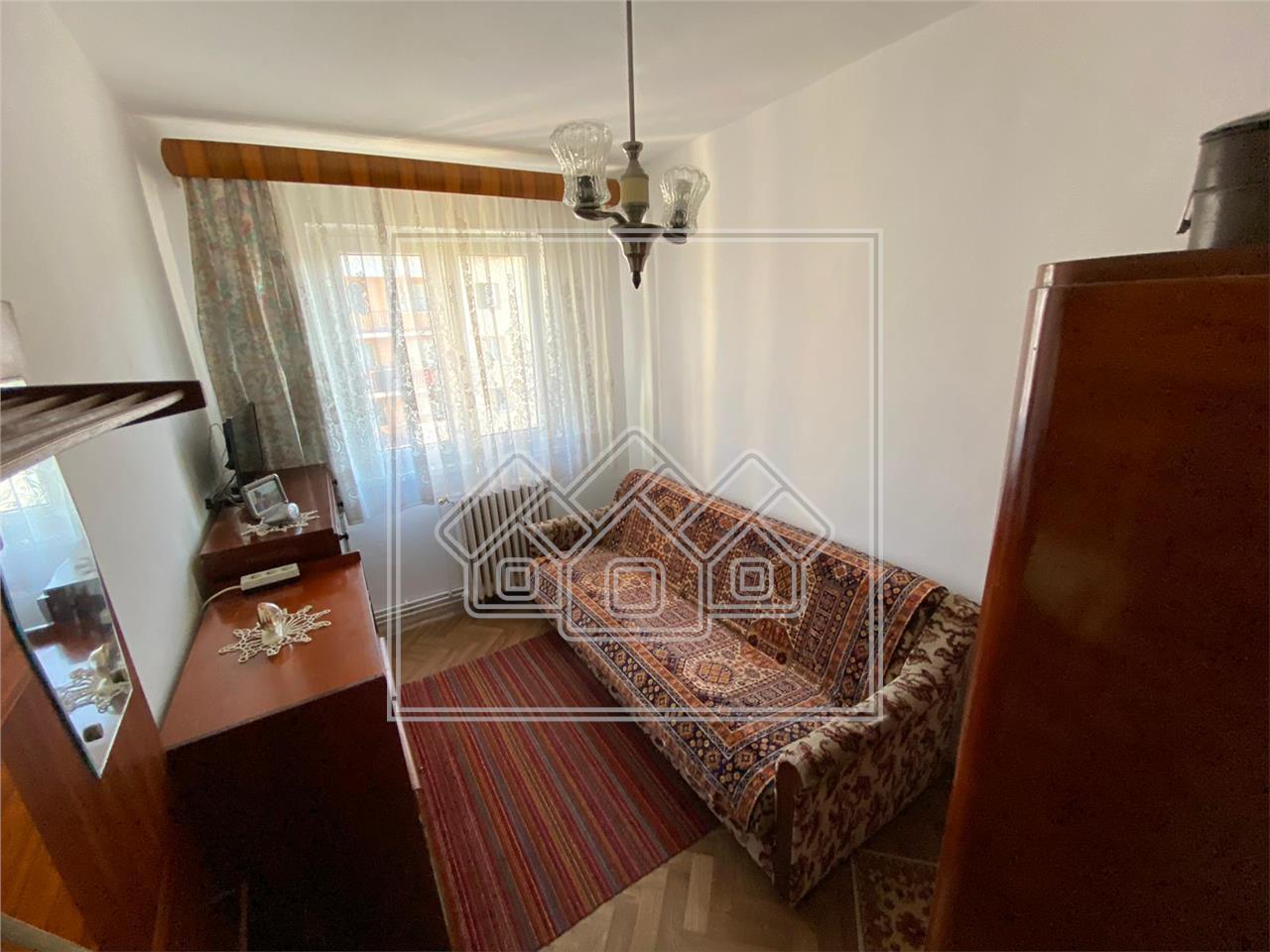Apartament de vanzare in Sibiu, 3 camere, zona Rahovei