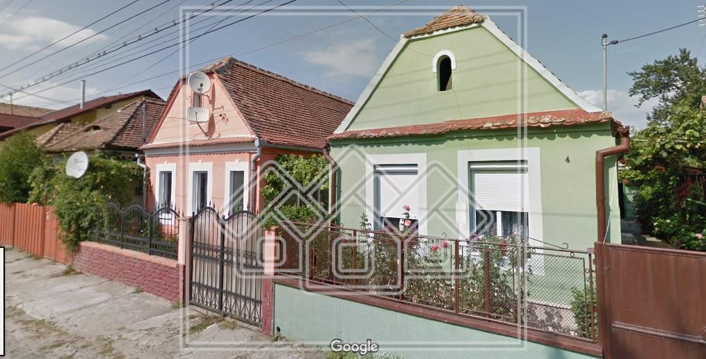 Casa de vanzare in Sibiu, curte individuala