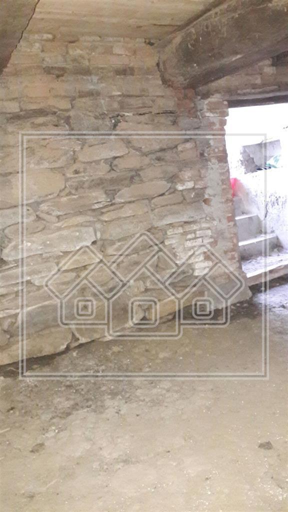 Casa cu Teren 1500 mp in Apold, acces usor la Autostrada