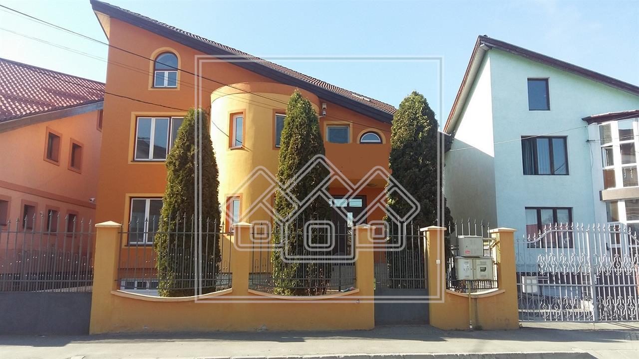 Casa de vanzare in Sibiu -singur in curte - zona Valea Aurie