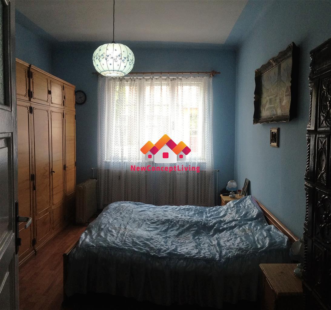 Casa 4 camere, 2 bai +Garaj si Teren de 750mp, zona Bieltz- Turnisor