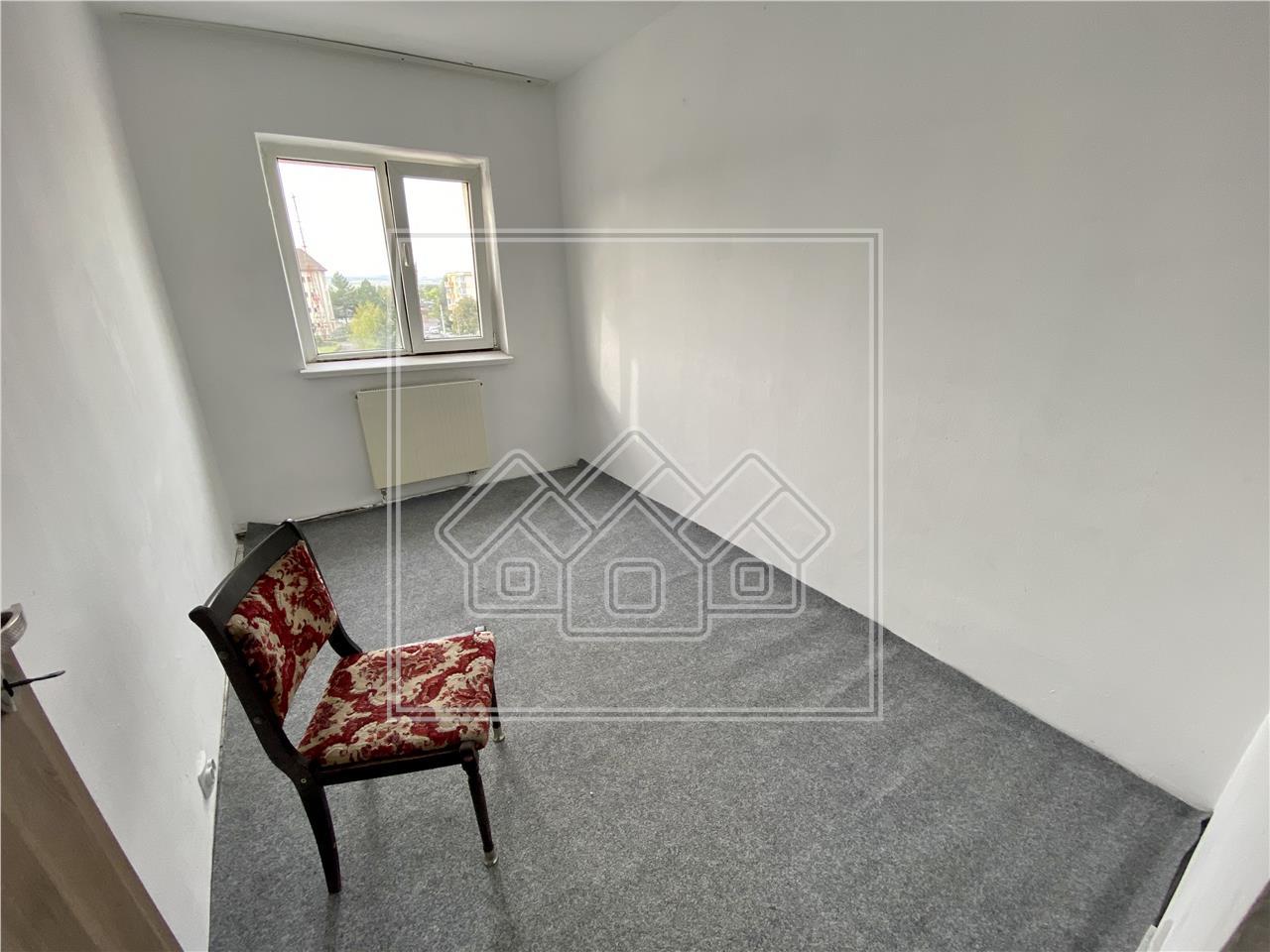 Apartament cu 3 camere decomandat - 58mp + balcoane