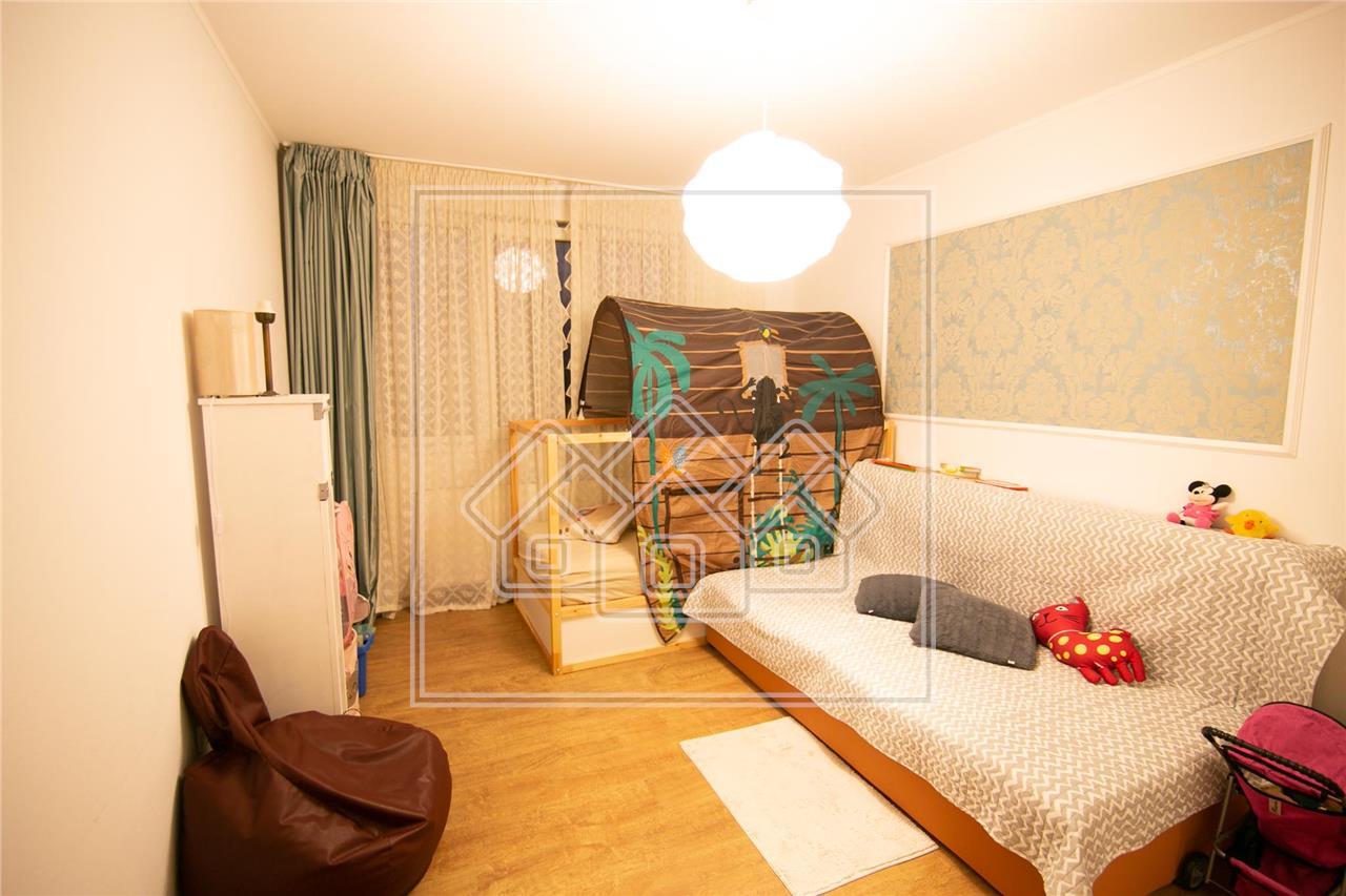 Apartament de vanzare in Sibiu - 3 camere si 2 balcoane