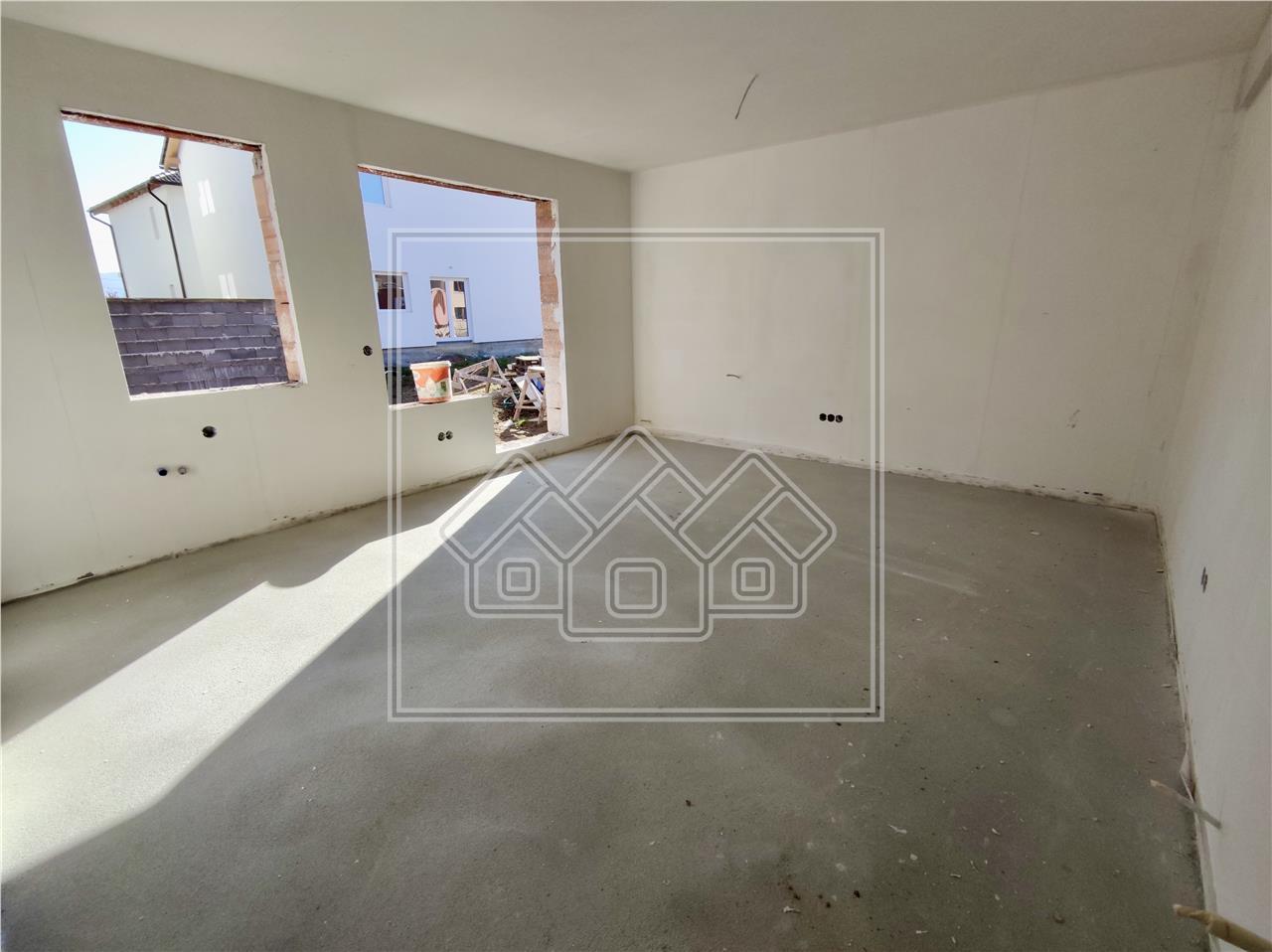 Apartament 2 camere de vanzare in Sibiu, etaj 1, cu balcon