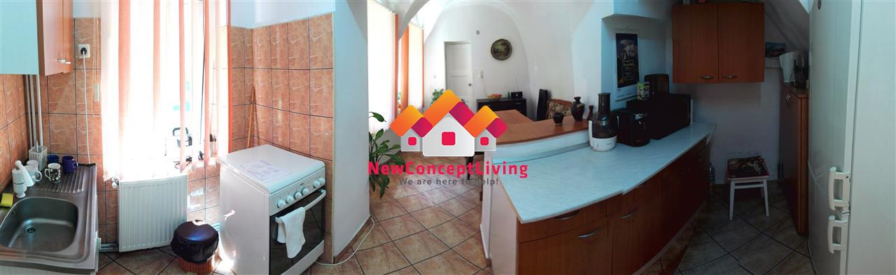 Apartament 3 camere ULTRACENTRAL de vanzare in Sibiu - investitie