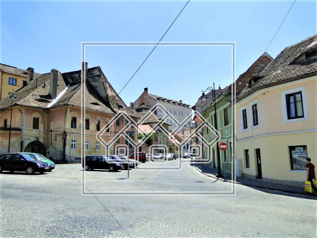 Building for sale in Sibiu - centrally located - ideal investment